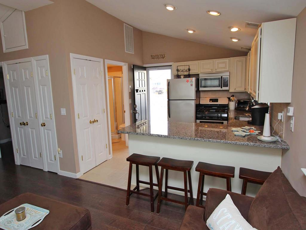 ocean-beach-nj-oceanside-vacation-rental-143137-2150399093-12